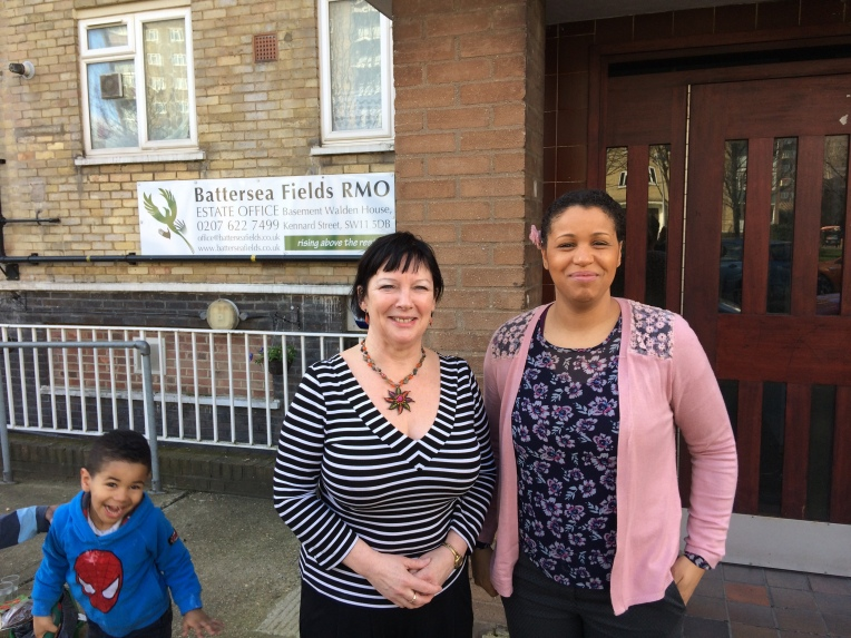 Councillor Wendy Speck chats with Alcinda (and her son) at our Battersea Fields drop-in advice session