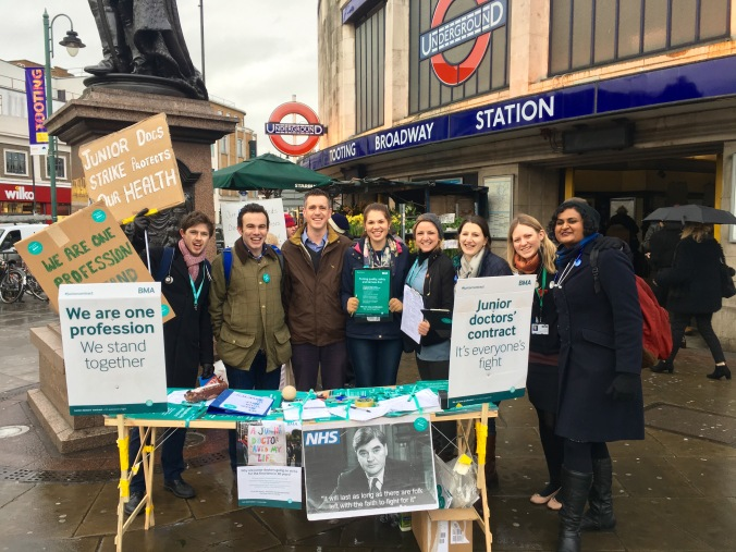 Simon Hogg supports striking junior doctors from St George's Hospital at Tooting Broadway